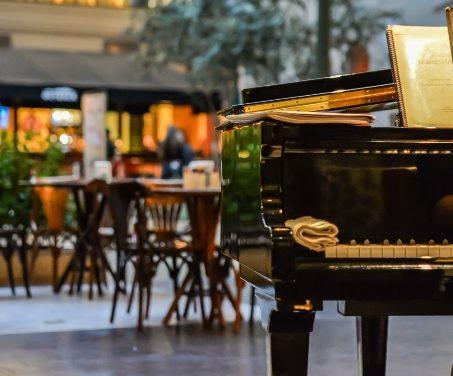 Pianistas já são tradição nas tardes curitibanas