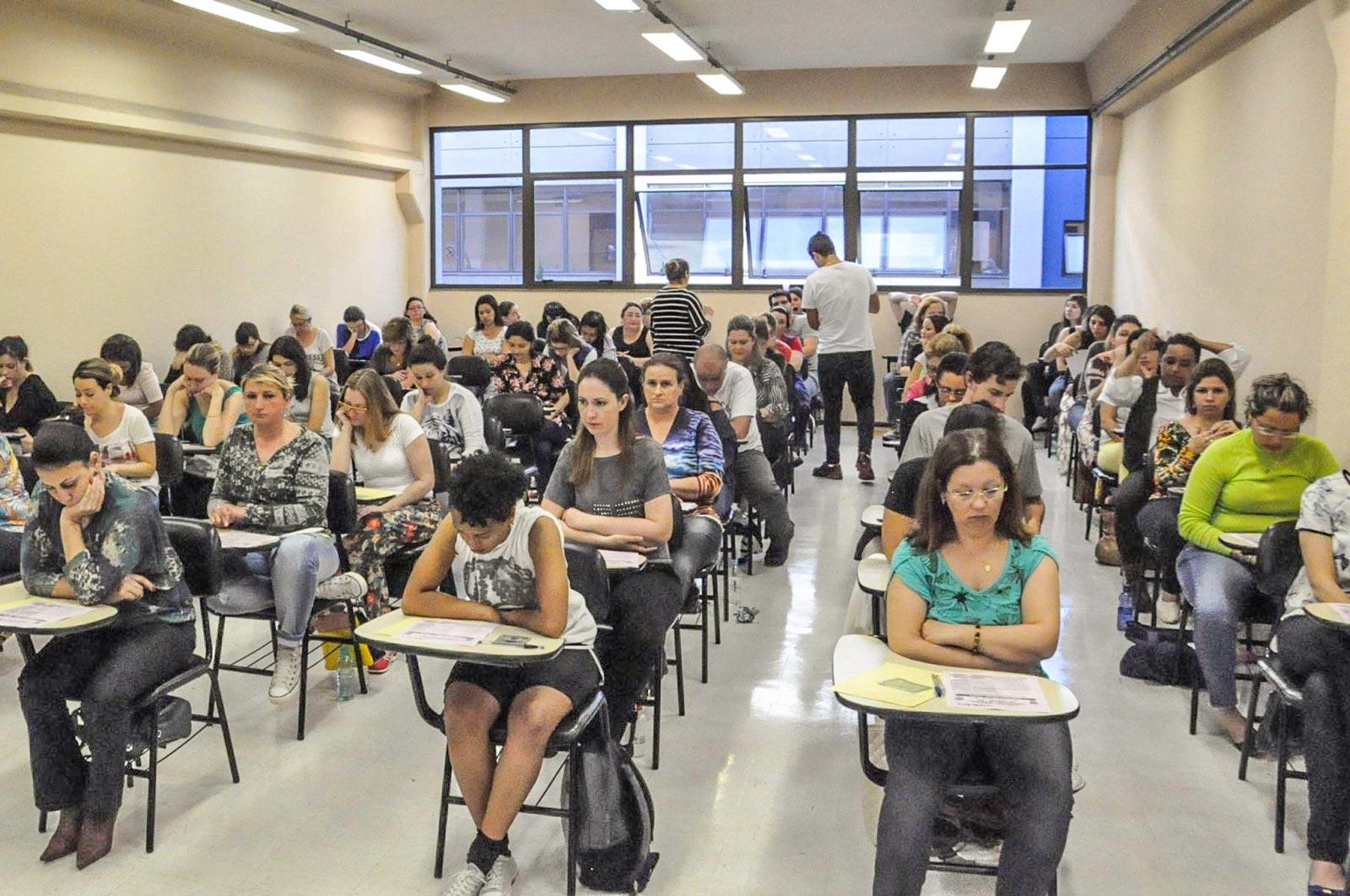 Exame Nacional para Certificação de Competências de Jovens e Adultos