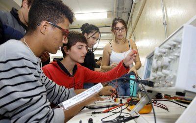 Colégios Estaduais abrem vagas para Cursos técnicos