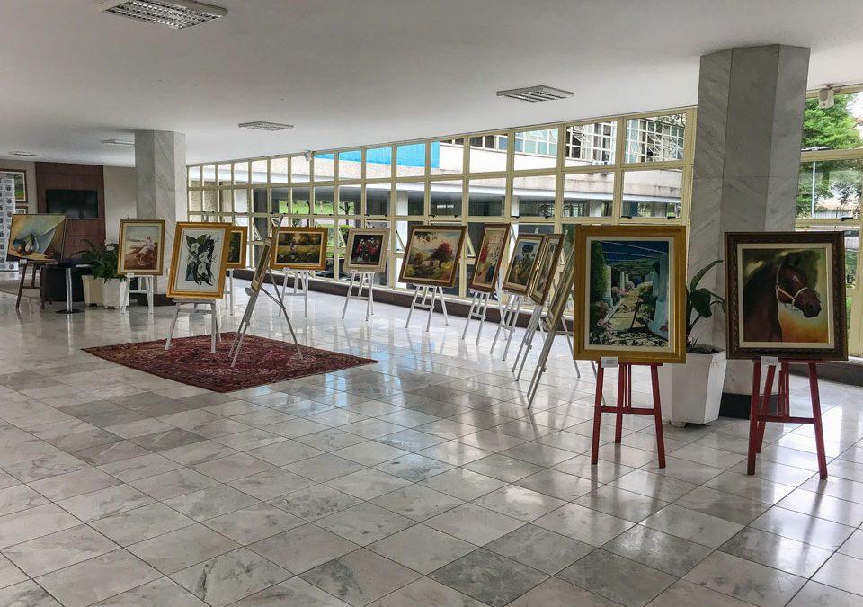 Obras de artista de Pinhais estão em exposição na Assembleia Legislativa do Paraná