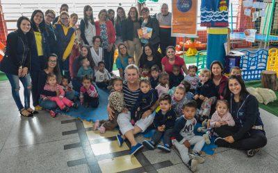 Centro de Educação Infantil de Pinhais recebe ações do Projeto Leia para uma Criança