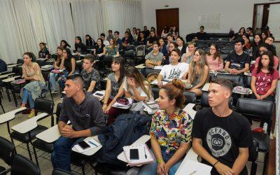 Estudantes podem se inscrever para o processo seletivo do Cursinho Pré-vestibular Mais Pinhais